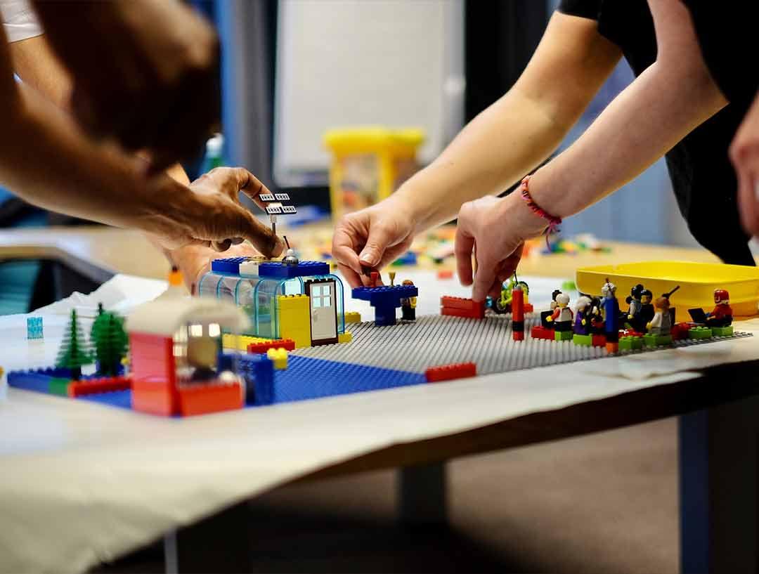 costo sito web paragonato a Lego